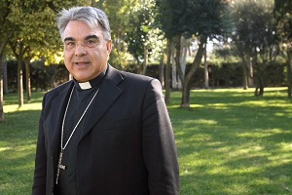 Risultati immagini per semeraro vescovo