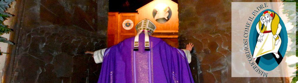 vescovo_porta_santa